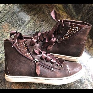 UGG high top sneaker w/ sparkle & ribbon laces